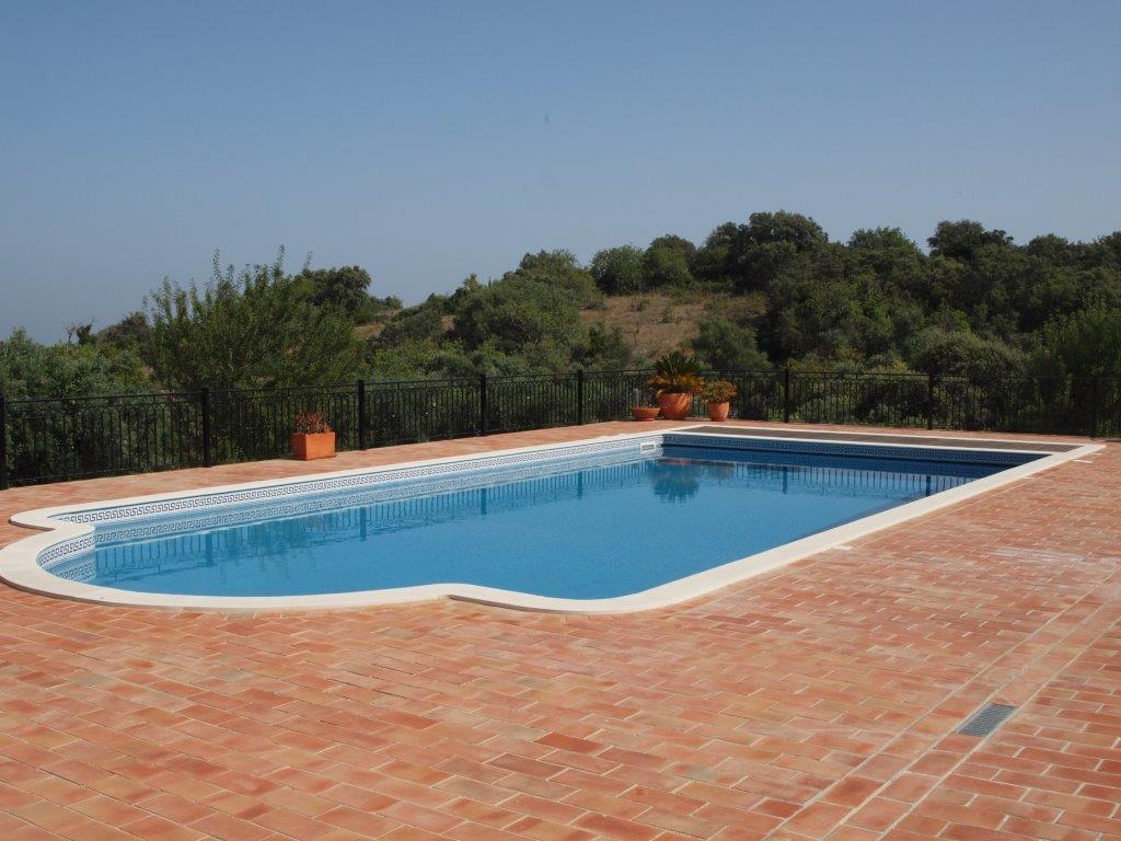 Belle villa de standing avec 4 chambres et piscine for Prix piscine waterair barbara