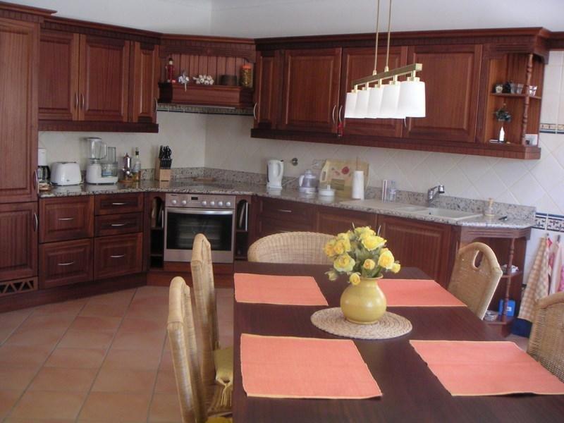 superbe villa avec vue sur la mer et la campagne portugal installation conseil. Black Bedroom Furniture Sets. Home Design Ideas